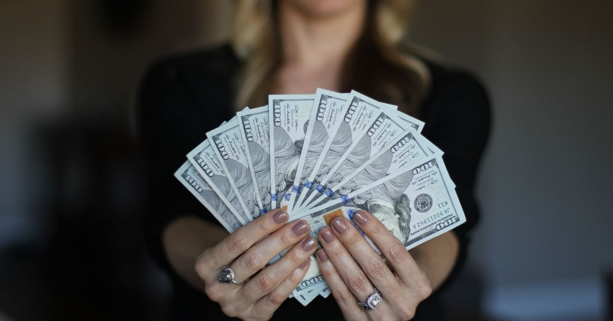 how to manifest money fast