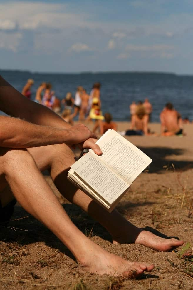 how to read a good book on the beach